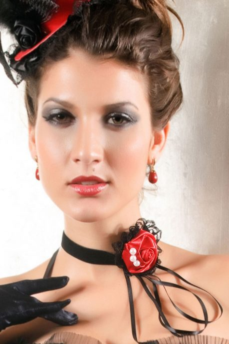 sort-halsband-med-rod-rose-3842-1808